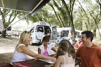 how to live in an rv with kids